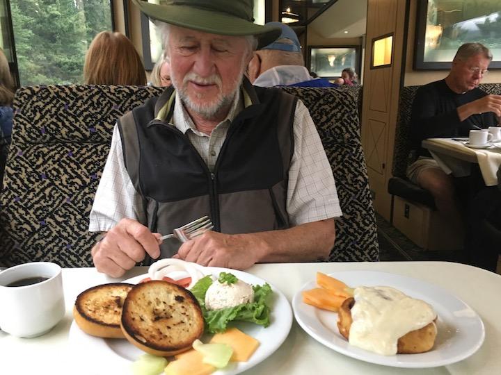 Train breakfast 1